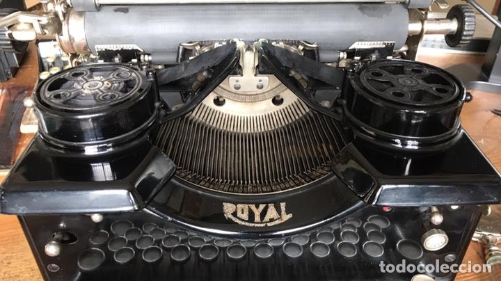Antigüedades: Maquina Escribir Royal. Funciona. Trust Mecanográfico Madrid. Años 30 ? - Foto 2 - 172855449