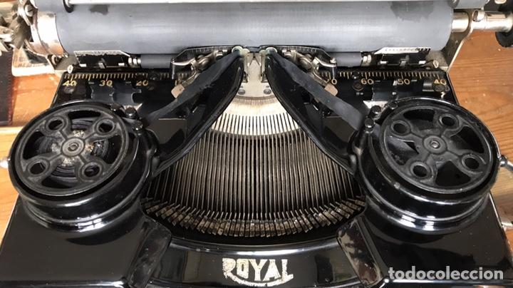 Antigüedades: Maquina Escribir Royal. Funciona. Trust Mecanográfico Madrid. Años 30 ? - Foto 4 - 172855449