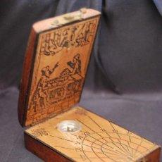 Antigüedades: FABULOSA BRÚJULA ESTILO RENACIMIENTO-CUADRANTE SOLAR EN MADERA - RELOJ DE SOL. Lote 130474322