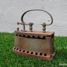 Antigüedades: PLANCHA ANTIGUA DE CARBÓN. Lote 130608530