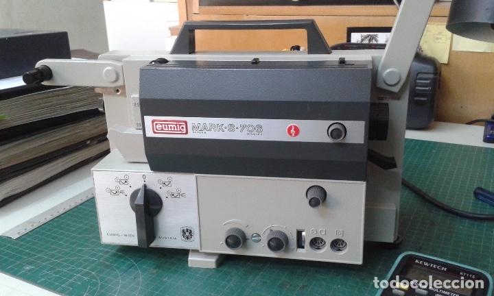 Antigüedades: PROYECTOR DE CINE SONORO SUPER 8 MODELO 706 - Foto 3 - 130668093
