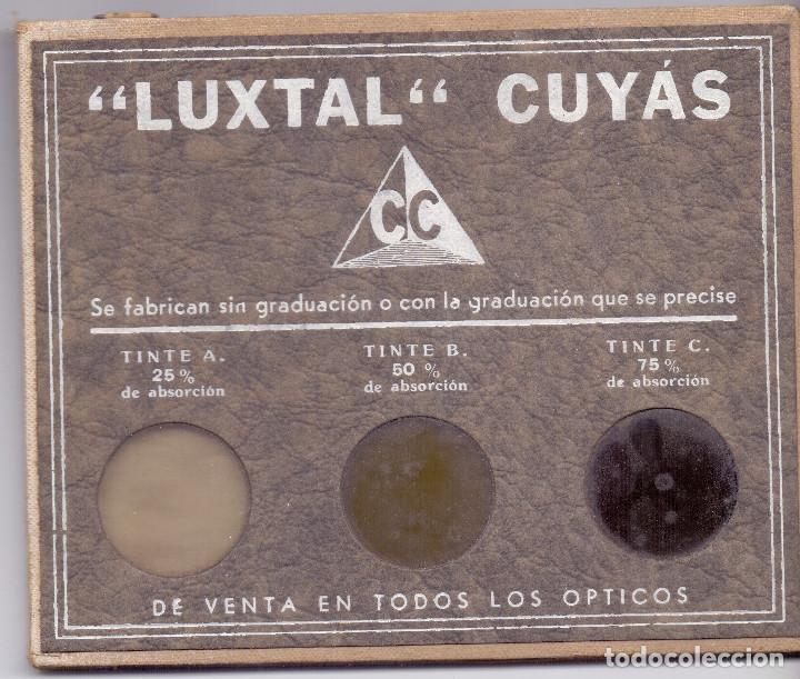 MUESTRARIO LENTES LUXTAL CARLOS CUYAS AÑOS 30 PRE GUERRA CIVIL PRECIOSO Y CASI NUEVO (Antigüedades - Técnicas - Instrumentos Ópticos - Binoculares Antiguos)