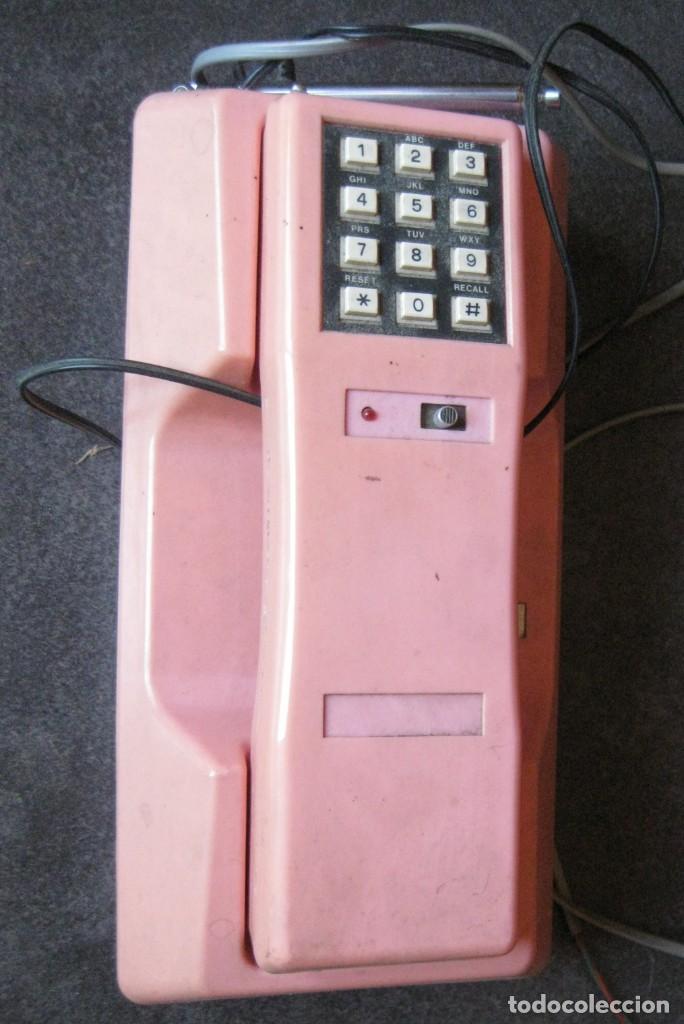 ANTIGUO BONITO TELEFONO DE SOBREMESA Y CON SOPORTE PARED ROSA DKL , SIN PROBAR , BUEN ESTADO VINTAGE (Antigüedades - Técnicas - Teléfonos Antiguos)