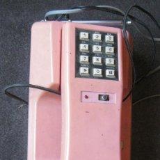 Teléfonos: ANTIGUO BONITO TELEFONO DE SOBREMESA Y CON SOPORTE PARED ROSA DKL , SIN PROBAR , BUEN ESTADO VINTAGE. Lote 192147661