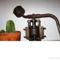 Antigüedades: ENORME PRENSA EN HIERRO FUNCIONANDO SUPER DECORATIVA DECORACION INDUSTRIAL O USO. Lote 130925032