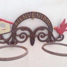 Antigüedades: CARTEL BIENVENIDOS MACETERO HIERRO ENTRADA HOGAR CASA RURAL, JARDIN TERRAZA. Lote 130979292