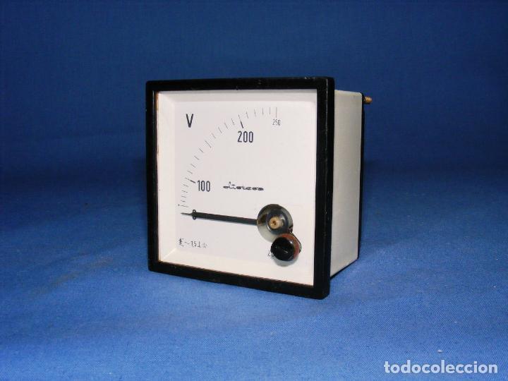 VOLTÍMETRO EMPOTRABLE ZURC (Antigüedades - Técnicas - Herramientas Profesionales - Electricidad)