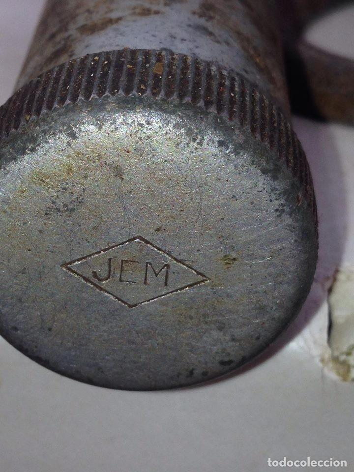 Antigüedades: antigua herramienta engrasador, aceite, taller mecanico o similar, calidad, coleccion - Foto 3 - 131079796