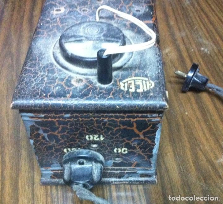 Antigüedades: ANTIGUO VOLTIMETRO ALCER - TRANSFORMADOR - ELEVADOR-REDUCTOR - 125 220 VOLTIOS - Foto 3 - 207460127