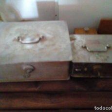 Antigüedades: DOS CAJAS FUERTES DE HIERRO CON SUS LLAVES. Lote 131190536