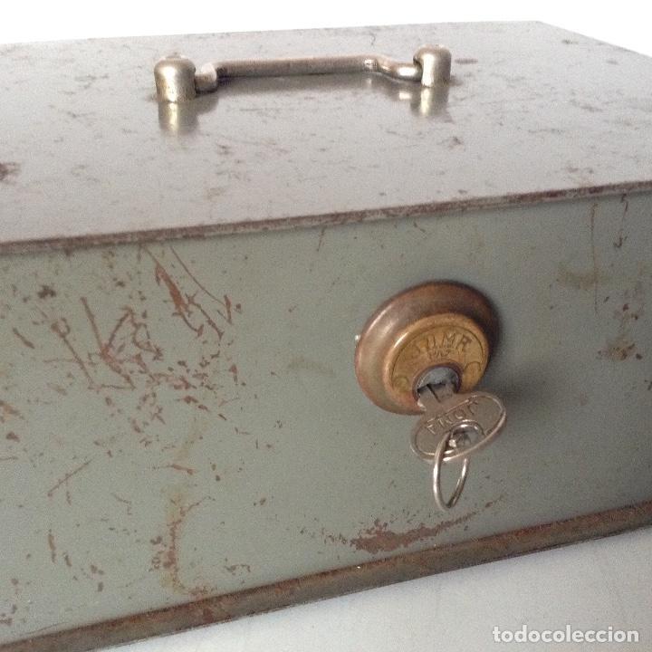 Antigüedades: Antiguas cajas de caudales - Foto 3 - 132098634