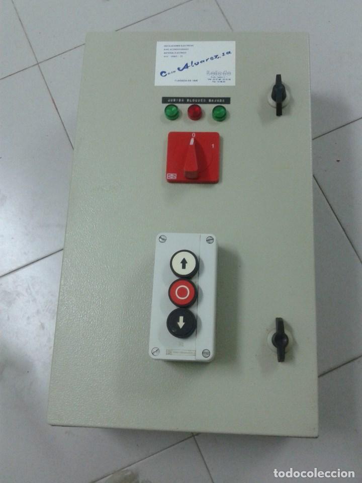 CUADRO ELECTRICO CON FUNCION MONTACARGAS (Antigüedades - Técnicas - Herramientas Profesionales - Electricidad)