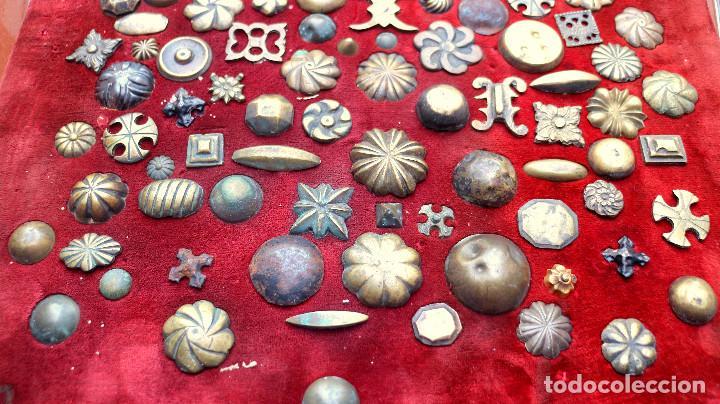 Antigüedades: CUADRO COLECCION CLAVOS ANTIGUOS BRONCE SIGLO XVIII-XIX (+85 UNIDADES) - Foto 7 - 132107722