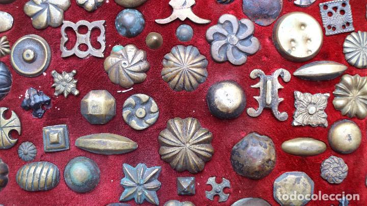 Antigüedades: CUADRO COLECCION CLAVOS ANTIGUOS BRONCE SIGLO XVIII-XIX (+85 UNIDADES) - Foto 11 - 132107722