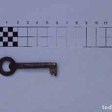 Antigüedades: LLAVE METÁLICA ANTIGUA - BIEN CONSERVADA. Lote 132304326
