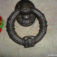 Antigüedades: PICADOR LLAMADOR DE PUERTA ANTIGUO CON PERRO . Lote 132340990