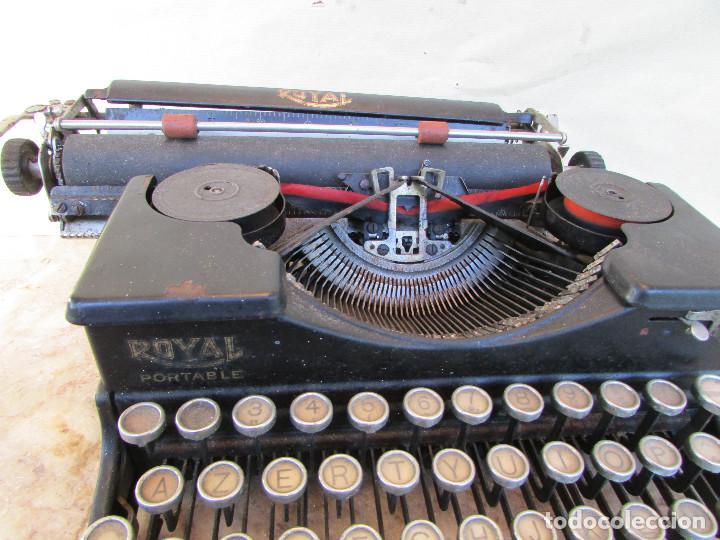 Antigüedades: Máquina de escribir portátil ROYAL PORTABLE. Años 1930. Funciona - Foto 5 - 132355634