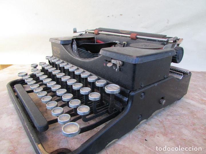 Antigüedades: Máquina de escribir portátil ROYAL PORTABLE. Años 1930. Funciona - Foto 7 - 132355634