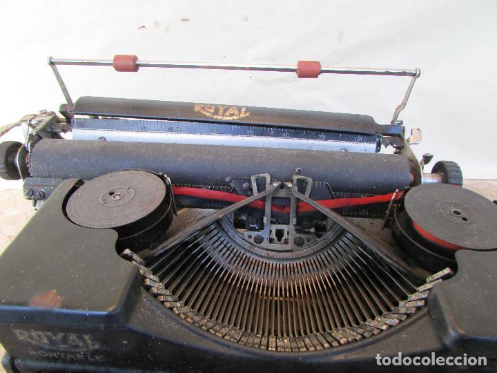 Antigüedades: Máquina de escribir portátil ROYAL PORTABLE. Años 1930. Funciona - Foto 8 - 132355634