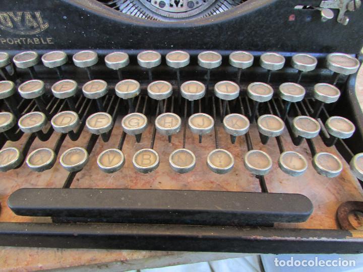 Antigüedades: Máquina de escribir portátil ROYAL PORTABLE. Años 1930. Funciona - Foto 9 - 132355634