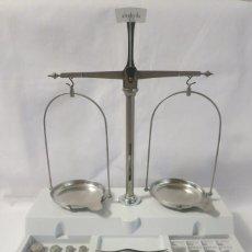 Antigüedades: BALANZA DE PRECISION COBOS DE 100 GRAMOS. Lote 132562950