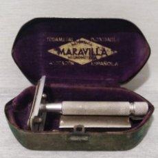 Antigüedades: ANTIGUA MAQUINILLA DE AFEITAR DE LA MARCA MARAVILLA. Lote 132655354