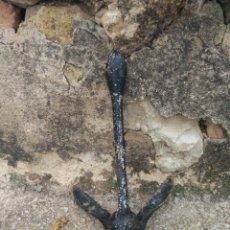 Antigüedades: ANTIGUA ANCLA PLEGABLE 40 CM APROX. Lote 132720242