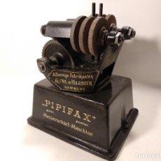 Antigüedades: ANTIGUA MÁQUINA PARA AFILAR CUCHILLOS PIPIFAX. Lote 132763426