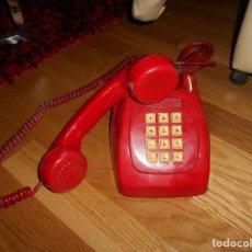 Teléfonos: ANTIGUO TELÉFONO ROJO DE TECLAS MODELO HERALDO CITESA MÁLAGA CON TOMA ACTUAL FUNCIONANDO AÑOS 60 70. Lote 132828510