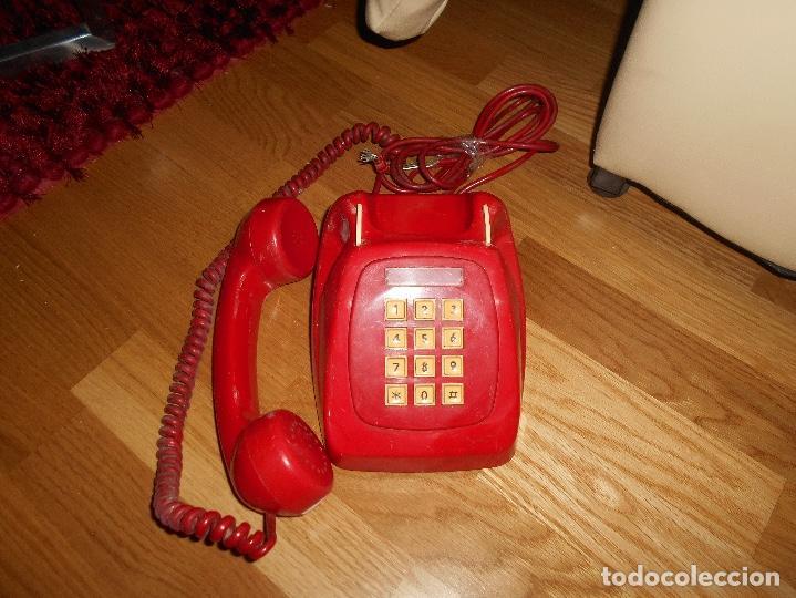 Teléfonos: Antiguo teléfono rojo de teclas modelo HERALDO Citesa Málaga con toma actual Funcionando AÑOS 60 70 - Foto 3 - 132828510