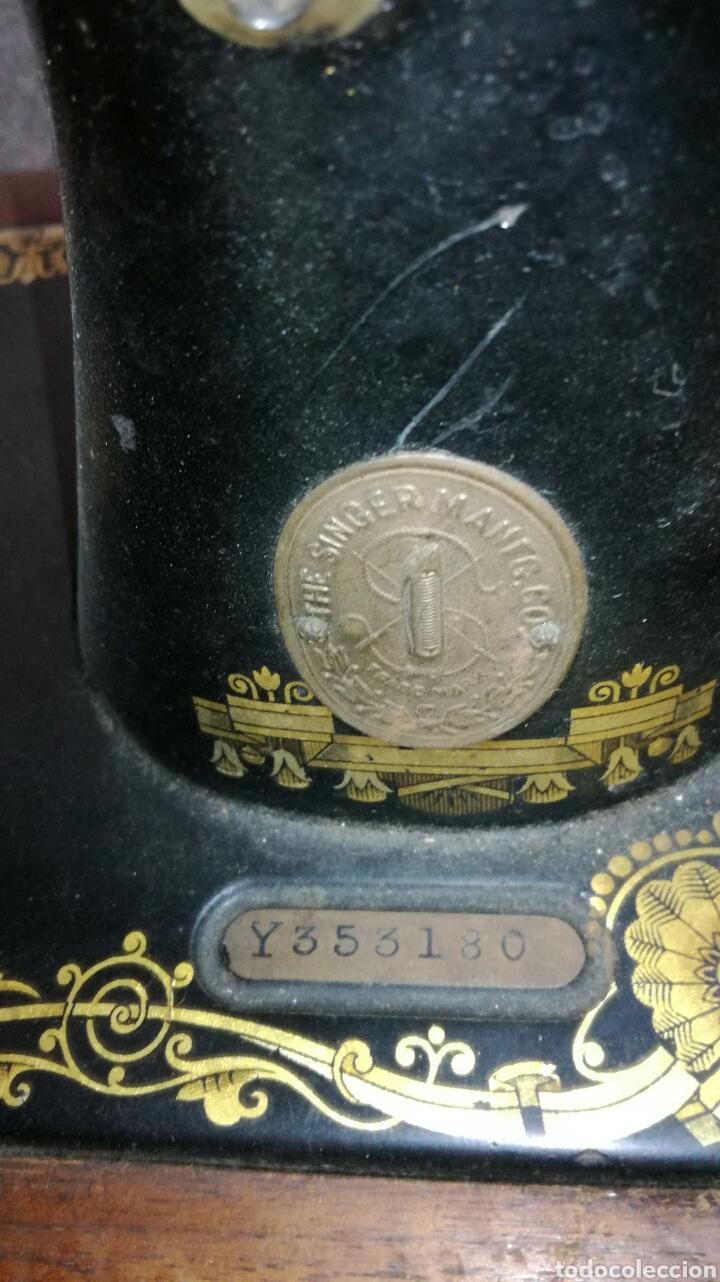 Antigüedades: Bonita maquina de coser de mano antigua L R - Foto 3 - 132866585