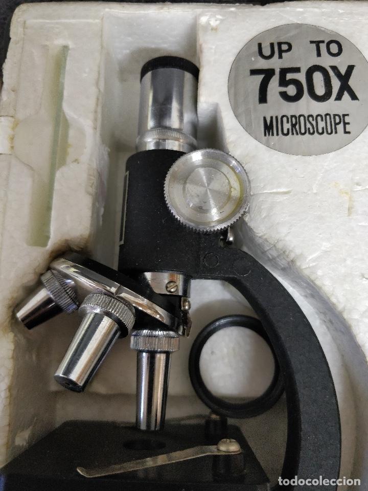 Antigüedades: Microscopio de los años 60, 750 X, con su estuche y accesorios. - Foto 2 - 132875095