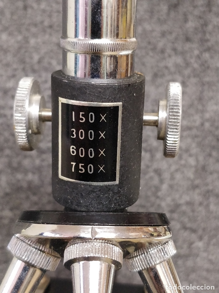 Antigüedades: Microscopio de los años 60, 750 X, con su estuche y accesorios. - Foto 7 - 132875095