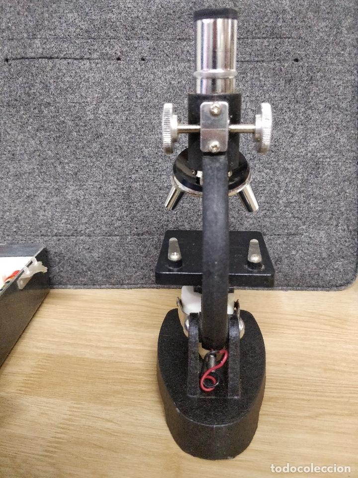 Antigüedades: Microscopio de los años 60, 750 X, con su estuche y accesorios. - Foto 6 - 132875095