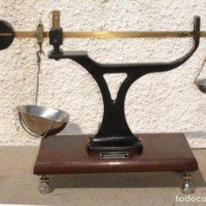 Antigüedades: BALANZA DE PRECISION, MARCA AVERY, INGLATERRA, TYPE 2405. Lote 132878550