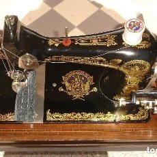 Antigüedades: ANTIGUA EXQUISITO MAQUINA DE COSER, MARCA FRISTER & ROSSMAN, CLEOPATRA, FUNCIONA Y COSE, AÑO C.1920S. Lote 132879026
