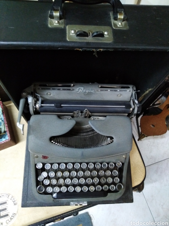 ANTIGUA MÁQUINA ESCRIBIR REGIA COMPLETA CON SU MALETA (Antigüedades - Técnicas - Máquinas de Escribir Antiguas - Otras)