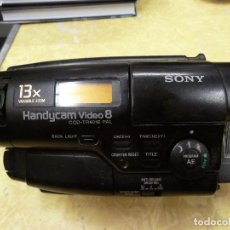 Antigüedades: CAMARA DE VIDEO SONY HANDYCAM VIDEO 8 MODELO CCD-TR401E. Lote 176355743
