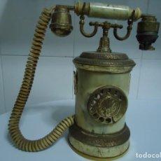 Teléfonos: CAJA MUSICAL EN FORMA DE TELÉFONO ANTIGUO Y CIGARRERA. VER FOTOS.. Lote 132960038