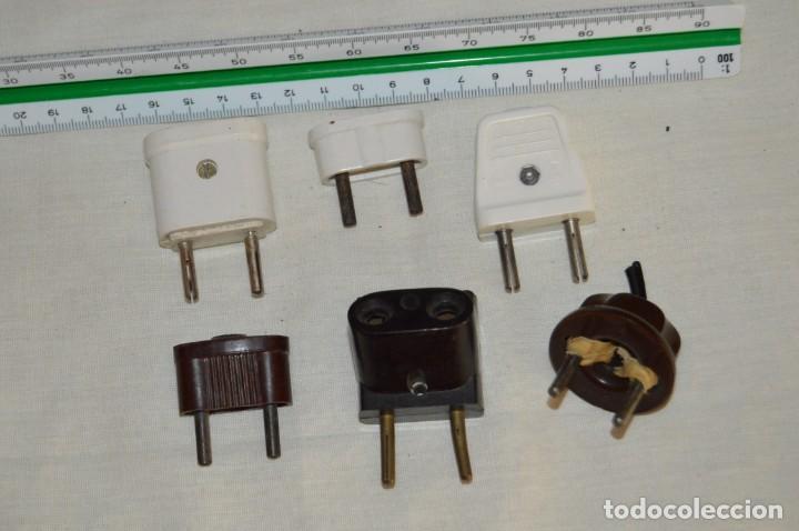 Antigüedades: VINTAGE, MUY ANTIGUO- LOTE DE OBJETOS ELÉCTRICOS - PORTALÁMPARAS, CABLES, ENCHUFES... - ENV24H - L02 - Foto 3 - 133034314