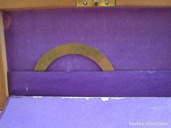 Antigüedades: PRECIOSA CAJA DE COMPASES E INSTRUMENTOS DE DIBUJO DEL S. XIX. EN BRONCE Y HUESO. CAJA ORIGINAL - Foto 7 - 133307430