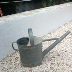 Antigüedades: ANTIGUA REGADERA DE METAL,10 L. Lote 133345198