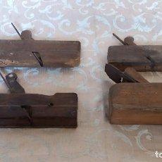 Antigüedades: LOTE DE 4 ANTIGUOS CEPILLOS DE CARPINTERO. Lote 133378038