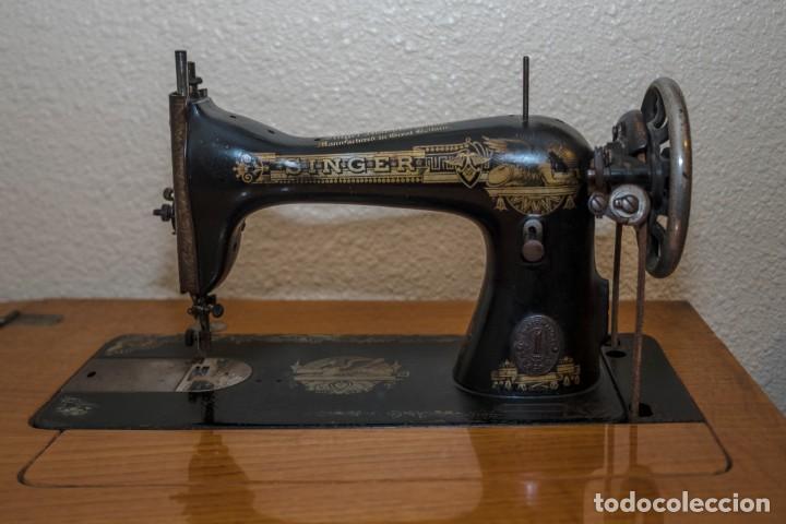 Antigüedades: Preciosa máquina de coser Singer antigua y en funcionamiento. - Foto 4 - 133460134