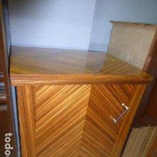 Antigüedades: MUEBLE DE MAQUINA DE COSER EN BUEN ESTADO . Lote 133509830