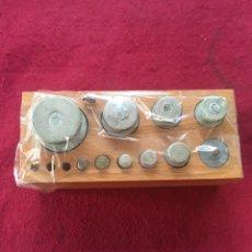 Antigüedades: JUEGO DE PESAS. Lote 133571918