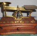 Antigüedades: PESACARTAS CON CAJON. Lote 133578006