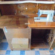 Antigüedades: MAQUINA DE COSER ALFA - FUNCIONANDO Y COMO NUEVA. Lote 133583802