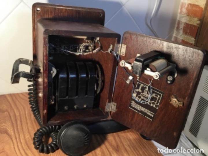 Teléfonos: Teléfono mural de madera y baquelita, con magneto, de Standard Eléctrica para la CTNE - Foto 10 - 133620834