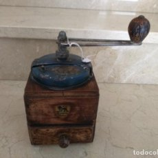 Antigüedades: ANTIGUO MOLINILLO DE CAFE FRANCES MADERA PEUGEOT. Lote 133630026